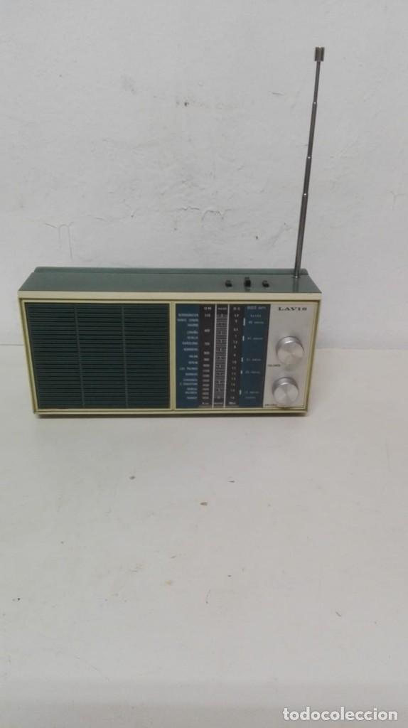 Radios antiguas: Radio Lavis, funciona con pilas. - Foto 2 - 141845658