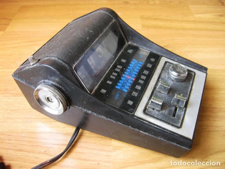 Radios antiguas: RADIO CON RELOJ DESPERTADOR - FLIP CLOCK - MADE IN HONG KONG - FALTA LIMPIEZA - Foto 2 - 142548866