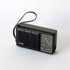 Radios antiguas: ANTIGUO RADIO TRANSISTOR PORTÁTIL MARCA PHILIPS. MIDE 12,5 X 7 X 4 CM. FUNCIONA CORRECTAMENTE.. Lote 142751050
