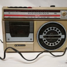 Radios antiguas: RADIOCASETTE SANYO ANTIGUO AÑOS 60/70. Lote 142973129