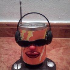 Radios antiguas: RADIO EN FORMA DE LATA CON MOVIMIENTO. Lote 142984606