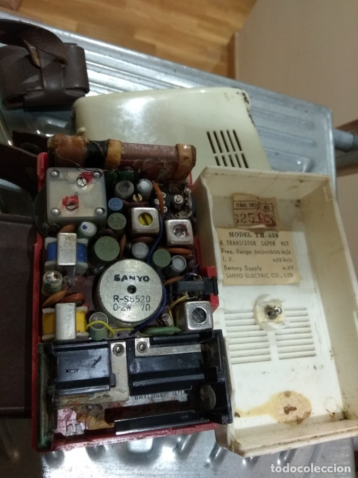 Radios antiguas: RADIO SANYO CON SU FUNDA - Foto 7 - 28325095