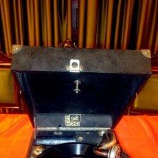 Radios antiguas: GRAMOFONO DE 1930 DISCO DE PIEDRA ESTA EN PERFECTO ESTADO Y FUNCIONANDO !!!! UNA JOYA ULTIMOS DIAS!!. Lote 143204050