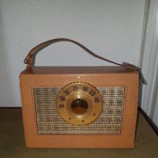 Radios antiguas: ANTIGUA RADIO TRANSISTOR ¨WESTINGHOUSE 6PT2¨, PIEL, AÑOS 50, MAGNÍFICO ESTADO.. Lote 143869966
