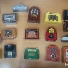Radios antiguas: ESPECTACULAR LOTE DE 37 RADIOS EN MINIATURA. RADIOS DE ANTAÑO. TODOS LOS FASCÍCULOS.. Lote 145261782