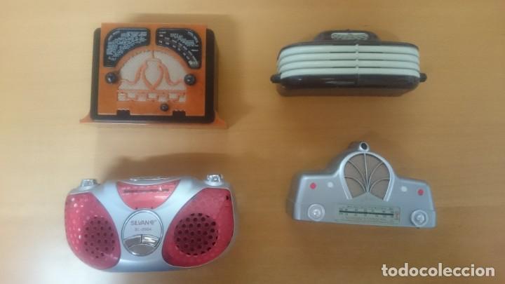 Radios antiguas: ESPECTACULAR LOTE DE 37 RADIOS EN MINIATURA. RADIOS DE ANTAÑO. TODOS LOS FASCÍCULOS. - Foto 3 - 145261782