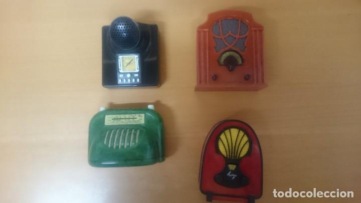 Radios antiguas: ESPECTACULAR LOTE DE 37 RADIOS EN MINIATURA. RADIOS DE ANTAÑO. TODOS LOS FASCÍCULOS. - Foto 4 - 145261782