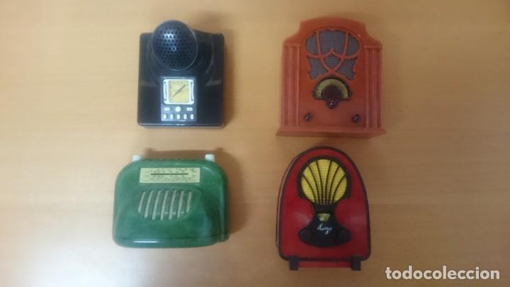 Radios antiguas: ESPECTACULAR LOTE DE 37 RADIOS EN MINIATURA. RADIOS DE ANTAÑO. TODOS LOS FASCÍCULOS. - Foto 5 - 145261782