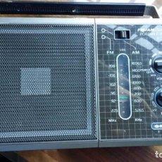 Radios antiguas: RADIO TRANSISTOR VINTAGE 2 BANDAS AM/FM PORTABLE RADIO . Lote 145898022