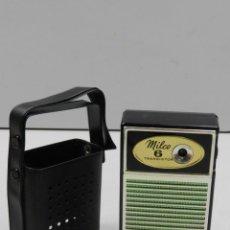 Radios antiguas: RADIO TRANSISTOR VINTAGE EXCELENTE OBJETO DE COLOECCION MARCA MILCO 6 AÑOS 70-80 . Lote 146179422