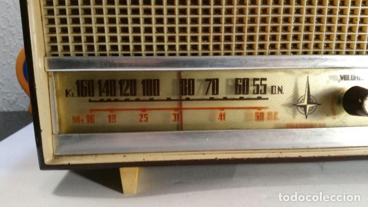 Old radios: RADIO DE TRANSISTOR VANGUARD. MODELO TYROS 2 ONDAS MIXTO. FUNCIONA - Foto 7 - 146557190