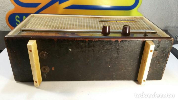 Old radios: RADIO DE TRANSISTOR VANGUARD. MODELO TYROS 2 ONDAS MIXTO. FUNCIONA - Foto 11 - 146557190