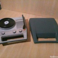 Radios antiguas: TOCADISCOS PORTATIL FARO.. Lote 147440909