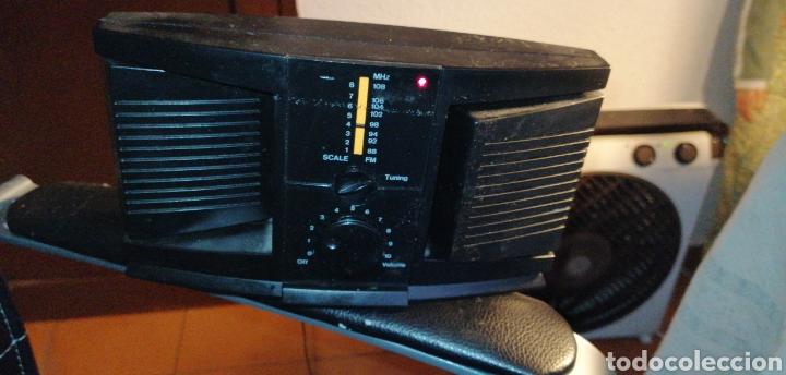 RADIO CON ALTAVOCES GIRATORIOS (Radios, Gramófonos, Grabadoras y Otros - Transistores, Pick-ups y Otros)