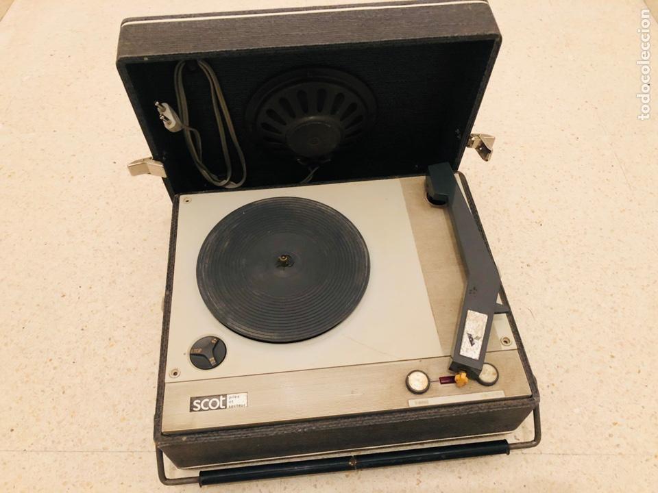 TOCADISCOS PORTÁTIL SCOT (Radios, Gramófonos, Grabadoras y Otros - Transistores, Pick-ups y Otros)