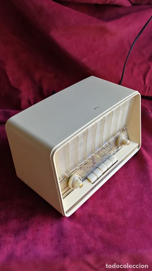 Radios antiguas: RADIO PHILIPS PHILETTA TRANSISTOR, EXCELENTE Y FUNCIONANDO, VIDEO - Foto 2 - 150742930