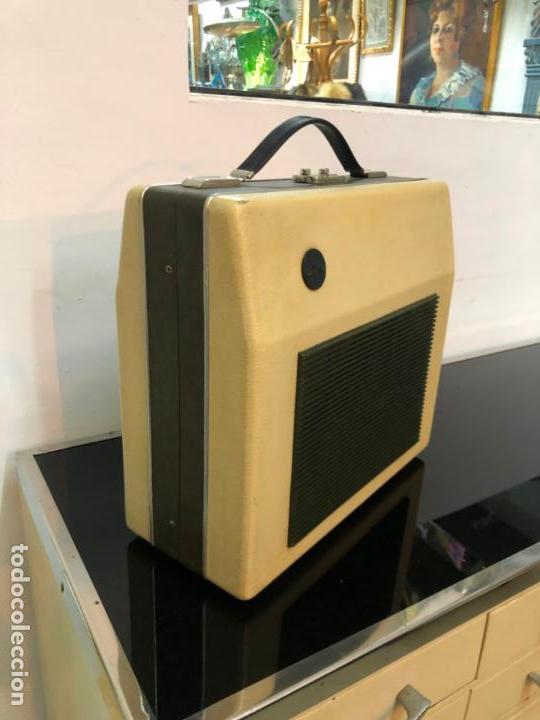 Radios antiguas: MALETIN PICK-UP AÑOS 70 - FUNCIONANDO Y MUY BUEN ESTADO - Foto 2 - 151442802