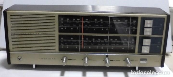 Radios antiguas: ANTIGUA RADIO. MINUTEMAN 62T. VANGUARD. SOLID STATE. FUNCIONA. VER - Foto 2 - 151701866