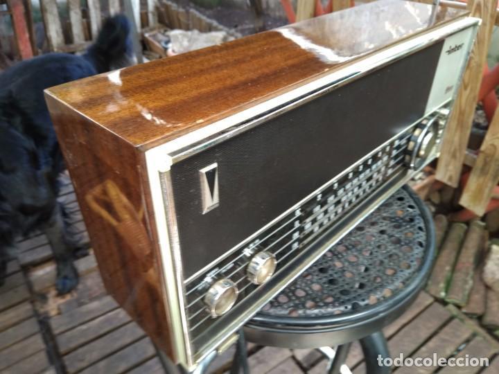 Radios antiguas: Radio vintage funcionando - Foto 2 - 152731242
