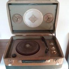 Radios antiguas: CURIOSO Y ORIGINAL TOCADISCOS MALETA TELEFUNKEN DISKUS. Lote 153874722
