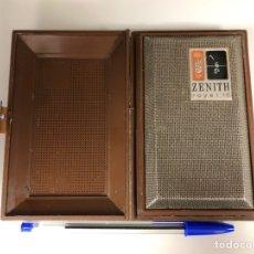 Radios antiguas: RADIO ZENITH ROYAL R 16 J, FORMA DE LIBRO, FUNCIONANDO, VER VÍDEO, AMERICANA.. Lote 154244245