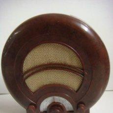 Radios antiguas: RADIO EN MINIATURA DE PILAS FUNCIONANDO DE LA COLECCION RADIOS ANTIGUAS. Lote 154539566
