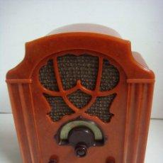 Radios antiguas: RADIO EN MINIATURA DE PILAS FUNCIONANDO DE LA COLECCION RADIOS ANTIGUAS. Lote 154541782