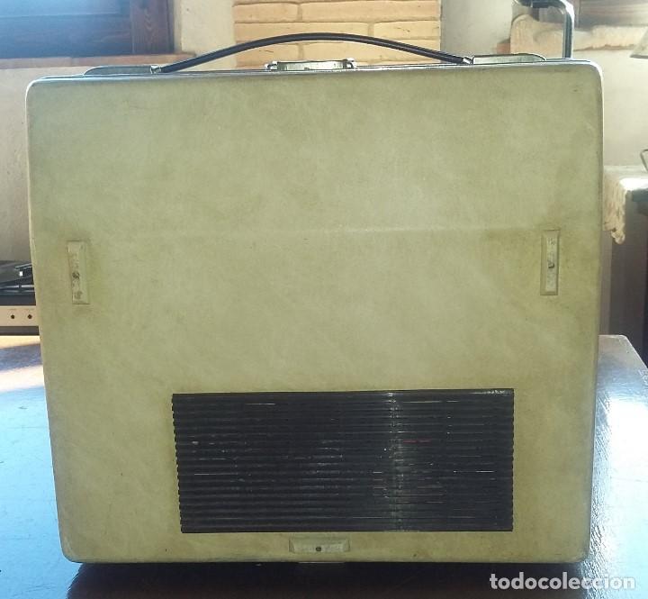 Radios antiguas: Tocadiscos Cosmo B3010 .Vintage. - Foto 4 - 154685926