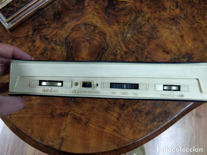 Radios antiguas: Phono Radio, radio y tocadiscos portable 2 en 1, con forma de libro - Foto 4 - 155232474