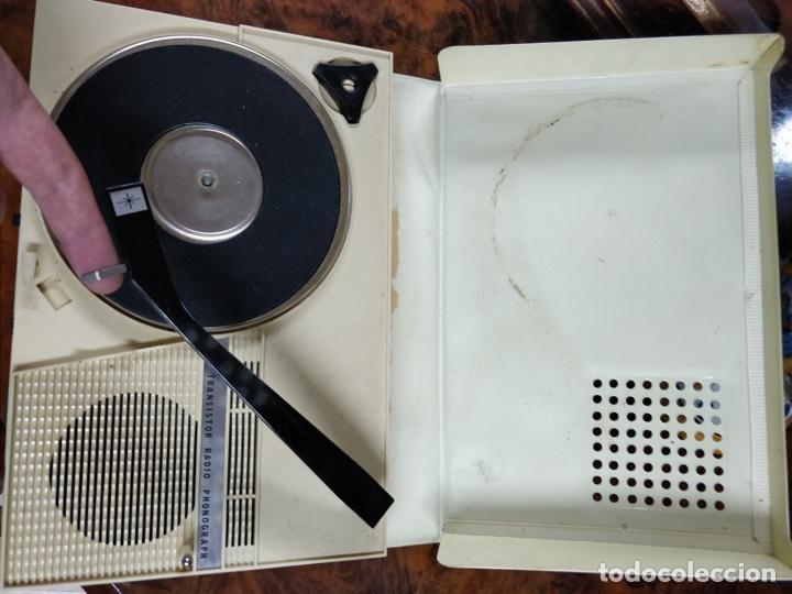 Radios antiguas: Phono Radio, radio y tocadiscos portable 2 en 1, con forma de libro - Foto 6 - 155232474