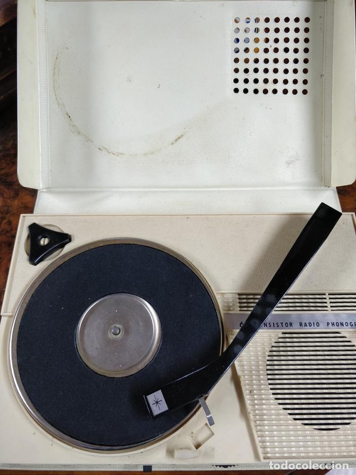 Radios antiguas: Phono Radio, radio y tocadiscos portable 2 en 1, con forma de libro - Foto 7 - 155232474
