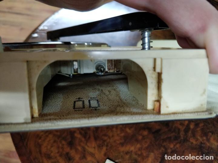 Radios antiguas: Phono Radio, radio y tocadiscos portable 2 en 1, con forma de libro - Foto 9 - 155232474