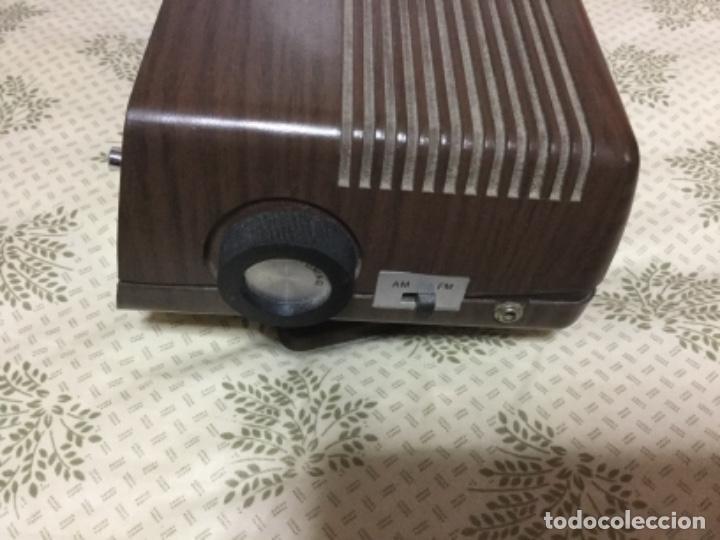 Radios antiguas: Radio despertador QUALITY años 70 funcionando VINTAGE. como el de la pelicula de SOLO EN CASA - Foto 3 - 155404302