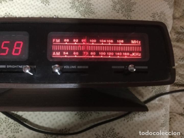 Radios antiguas: Radio despertador QUALITY años 70 funcionando VINTAGE. como el de la pelicula de SOLO EN CASA - Foto 9 - 155404302
