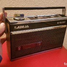Radios antiguas: ANTIGUA RADIO CASSETTE TRANSISTOR GRUNDIG C 2OO SL AUTOMATIC DISEÑO VINTAGE C200 . Lote 155529094