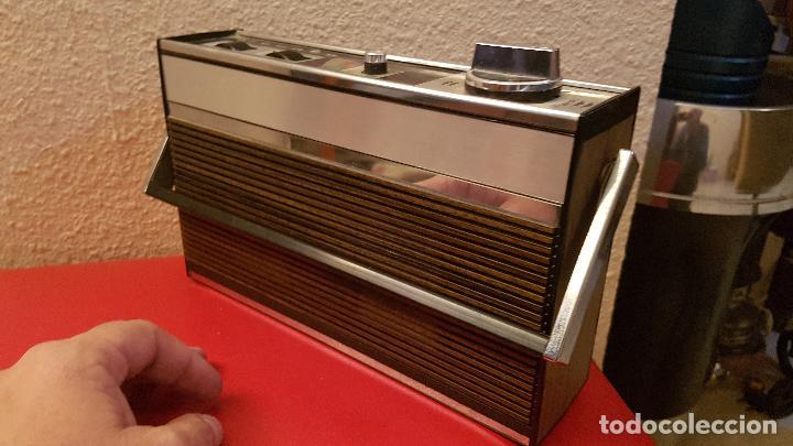 Radios antiguas: ANTIGUA RADIO CASSETTE TRANSISTOR GRUNDIG C 2OO SL AUTOMATIC DISEÑO VINTAGE C200 - Foto 3 - 155529094