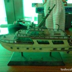 Radios antiguas: RADIO EN FORMA DE BARCO O YATE . Lote 156112534