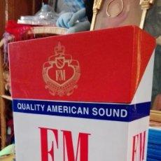 Radios antiguas: RADIO PAQUETE DE TABACO FM FUNCIONANDO. Lote 156958730