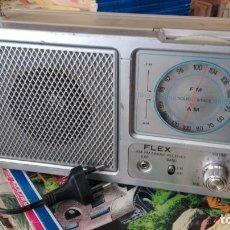 Radios antiguas: RADIO TRANSISTOR FLEX MADE IN HONG KONG FUNCIONANDO. Lote 158532602