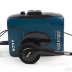 Radios antiguas: WALKMAN WM-EX 12, SONY, CON CASCOS. 11,5X9,5CM. Lote 159490674
