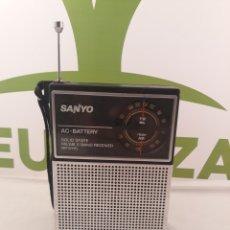 Radios antiguas: RADIO SANYO RP 5115.FUNCIONA.. Lote 160271448