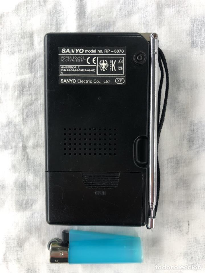 Radios antiguas: Radio transistor SANYO RP-5070, funcionando - ver vídeo - Foto 2 - 161104542