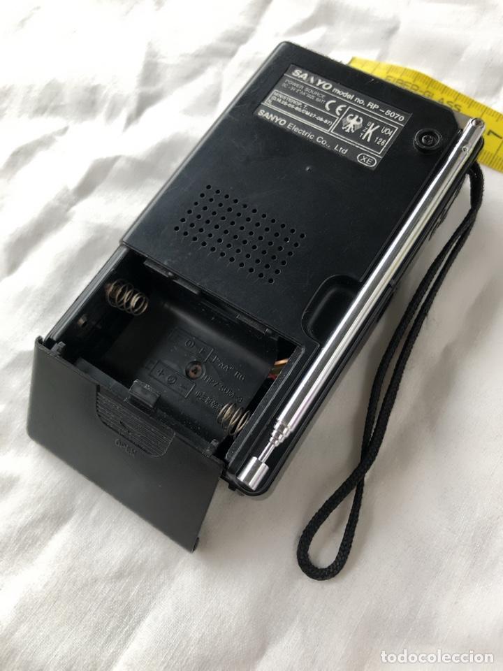 Radios antiguas: Radio transistor SANYO RP-5070, funcionando - ver vídeo - Foto 9 - 161104542