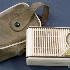 Radios antiguas: RADIO TRANSISTOR TELEFUNKEN BAQUELITA CON FUNDA AÑOS 50 - 60 NO FUNCIONA. Lote 162930706