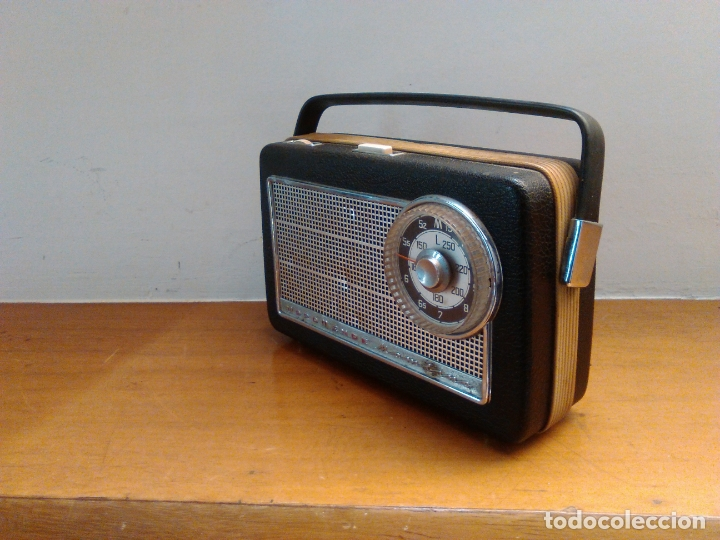 Radios antiguas: vieja radio a transistores - Foto 4 - 163910222