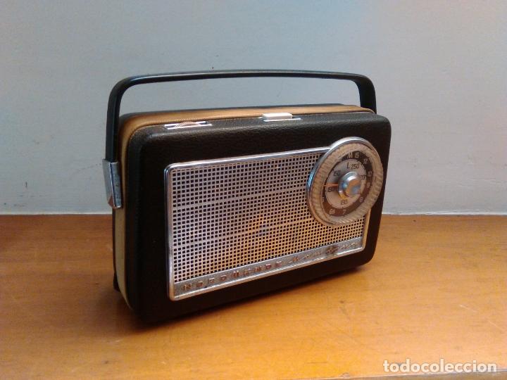 Radios antiguas: vieja radio a transistores - Foto 6 - 163910222