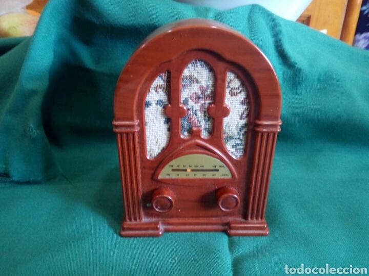 RADIO CAMPILLA REPRODUCCIÓN (Radios, Gramófonos, Grabadoras y Otros - Transistores, Pick-ups y Otros)