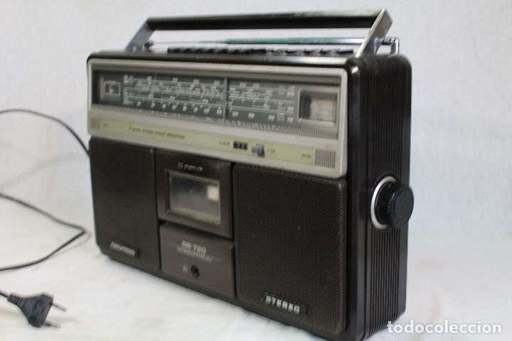 Radios antiguas: Grundig RR720 internacional Estéreo Radio/Cassette - Foto 5 - 164022698