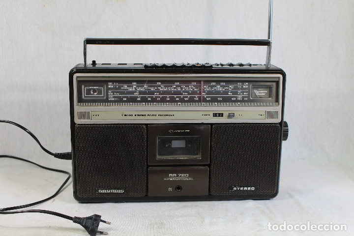 GRUNDIG RR720 INTERNACIONAL ESTÉREO RADIO/CASSETTE (Radios, Gramófonos, Grabadoras y Otros - Transistores, Pick-ups y Otros)