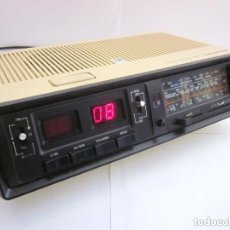 Radios antiguas: RADIO RELOJ DESPERTADOR SONO CLOCK 350 GRUNDIG MADE IN PORTUGAL FUNCIONANDO. Lote 164694446